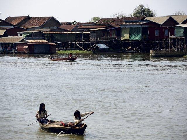 Tonle-Sap-lake-006.jpg