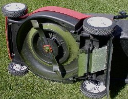 Electric_mower_underside.jpg
