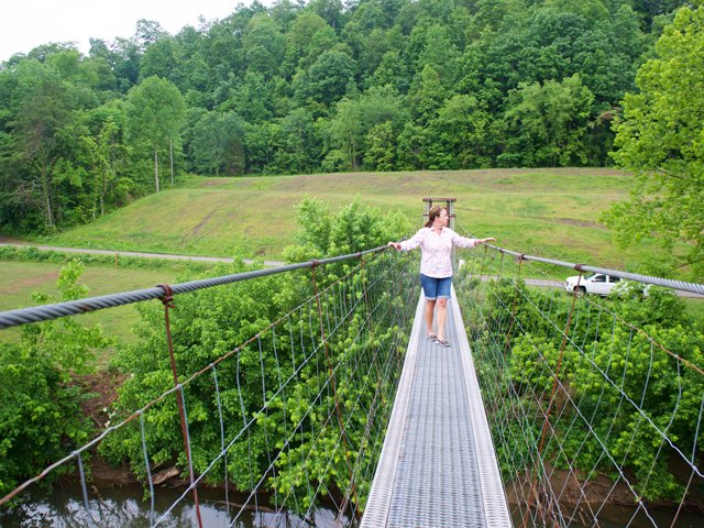 Swinging-Bridges_22.jpg