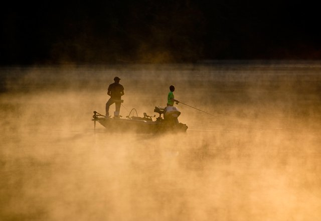 John-Snell_Red-River-Gorge_Angling-in-the-Mist_11x16.jpg