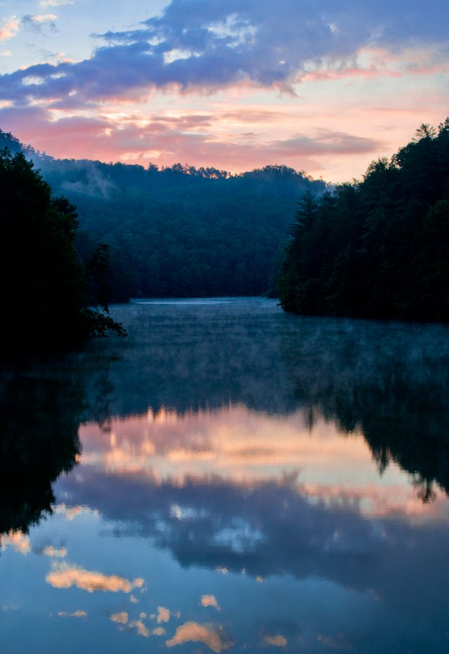 John-Snell_Red-River-Gorge_Mill-Creek-Lake-Sunrise_Vert_11x16.jpg