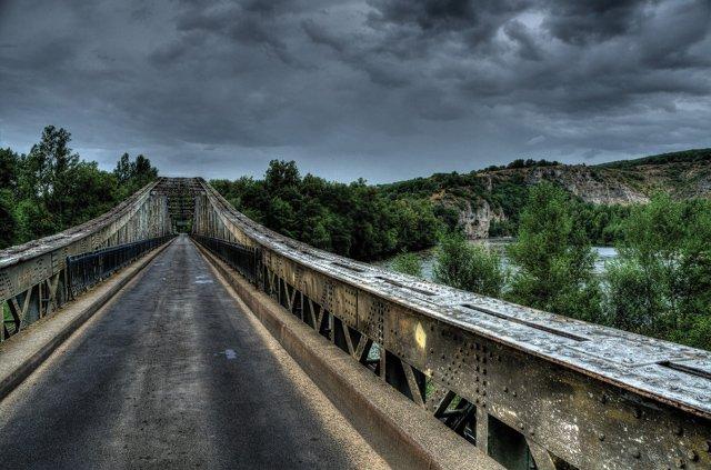 bridge-908295_1920.jpg