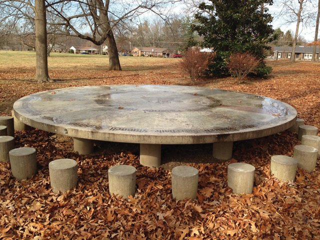 Round-Table-Park2.jpg