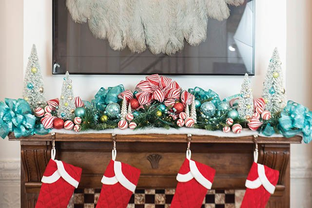White Christmas Mantle_4.jpg