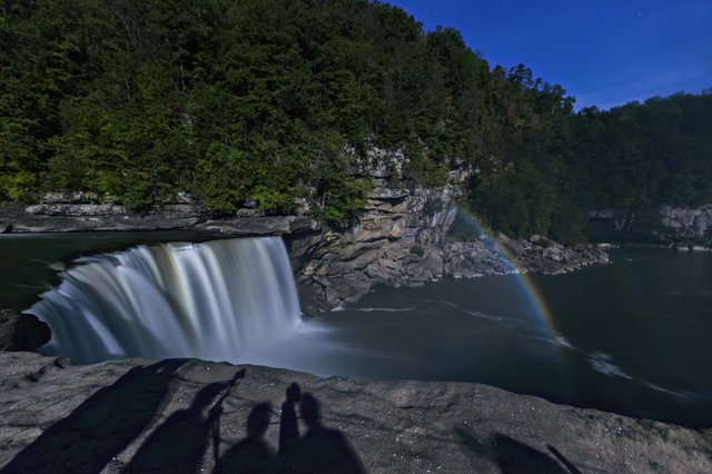 cumberland falls moonbow and visitorshadows 1014.jpg