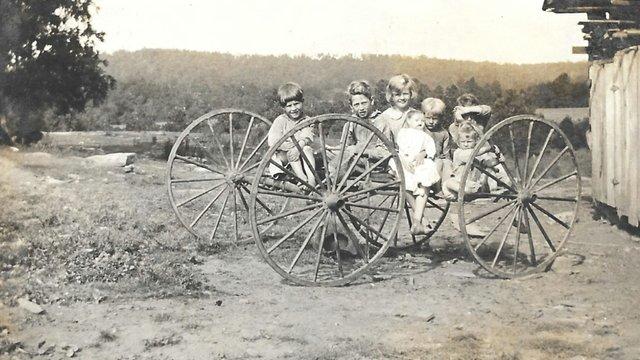 1918 Alex Dickerson Children  (1)1.jpg