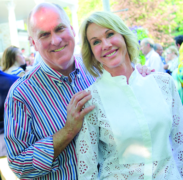 Joe_and_Kelly_Knight_Craft_at_Independence_Day_celebration.jpg