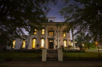 Belle-Louise-Historic-guest-House-Night-scaled.jpg
