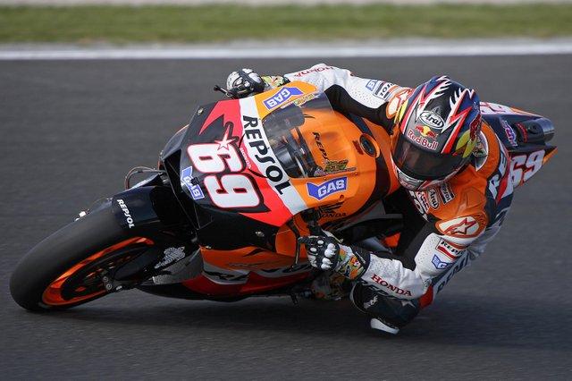 Nicky_Hayden_2006_Brno_Czech Republic Grand Prix.jpg